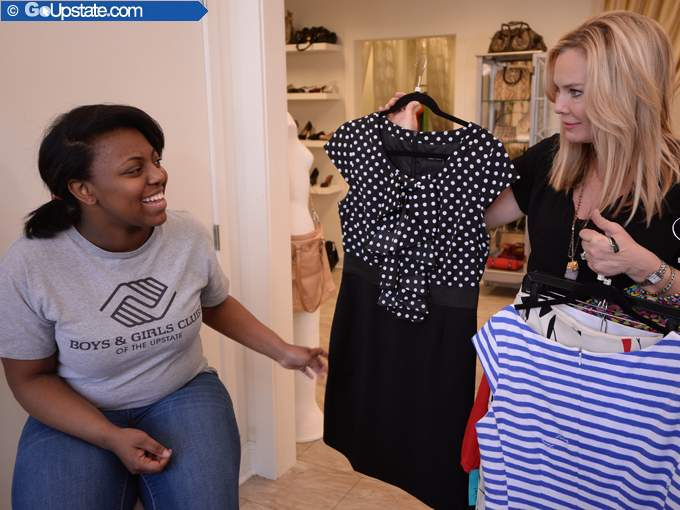 Teen Gets Help Selecting Winning Look For Competition